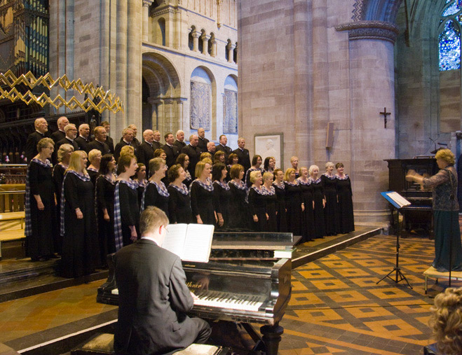 Picture of the choir singing in the cathedral